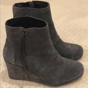 Tom's Gray heeled boots